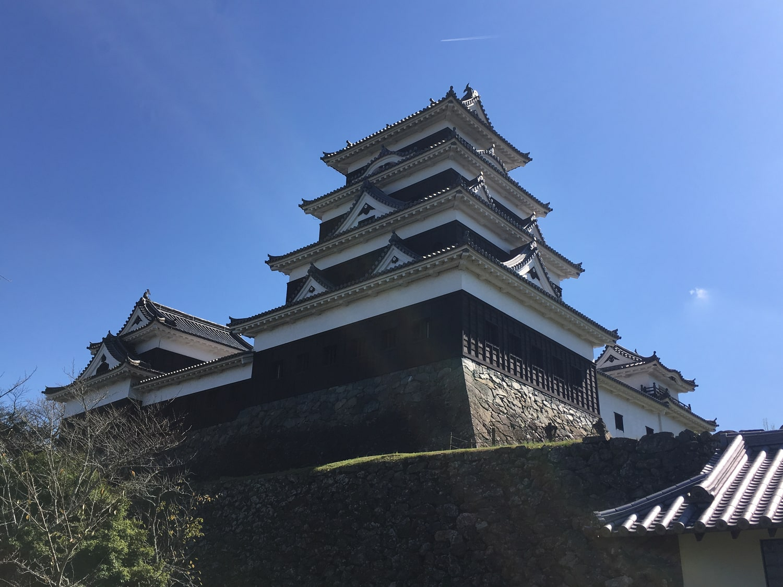 八幡浜・宇和島のおすすめ観光スポット。古い建物が多く残る文化の街。