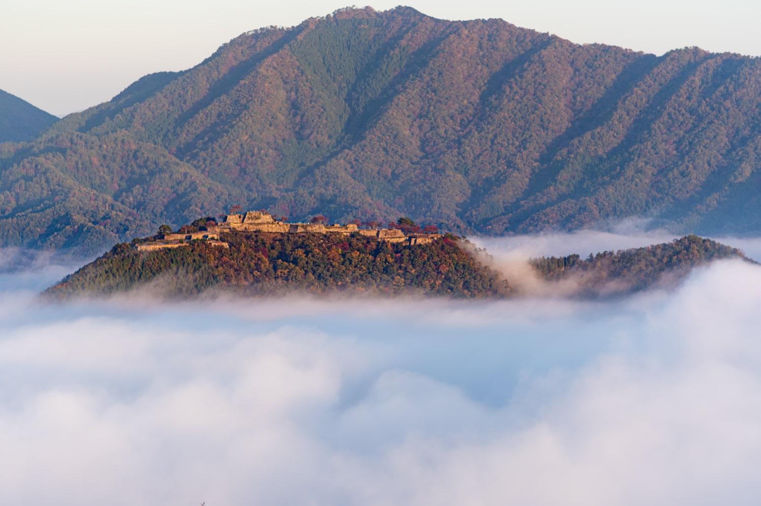 日本のマチュピチュ!兵庫県朝来市の「竹田城跡」で雲海を見よう